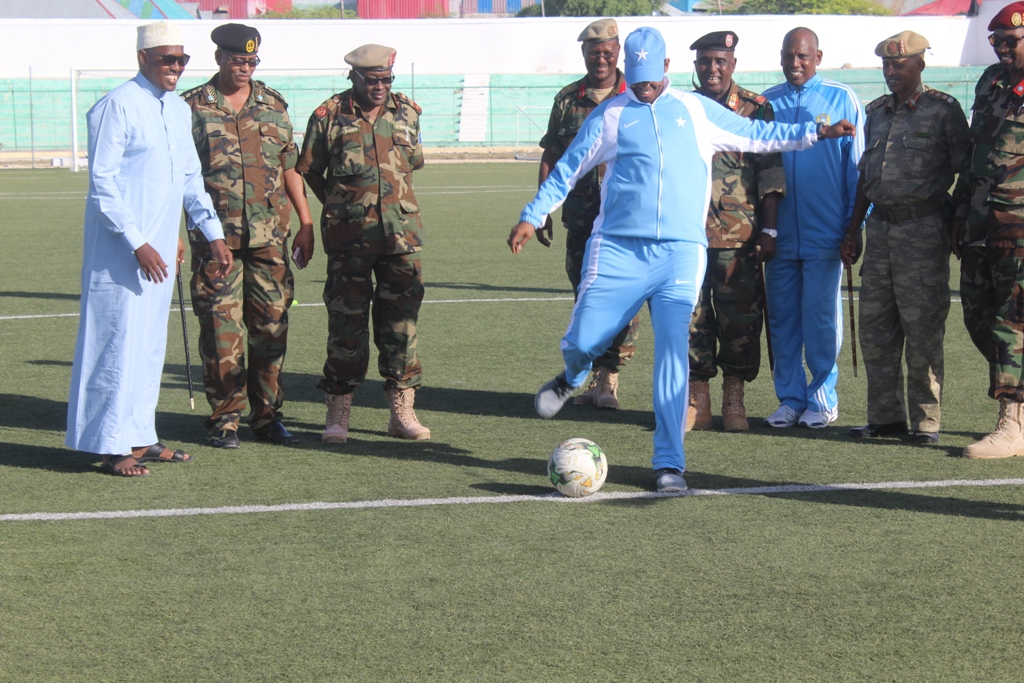 Mayor of Mogadishu Thabet Abdi Mohamed kicks the first ball of 2017 edition of General Daa'uud CUP on Friday 15th of September 2017